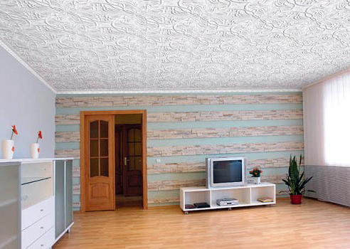 Клеевой пенопластовый потолок своими руками